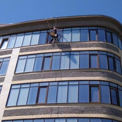 мойка окон балкона