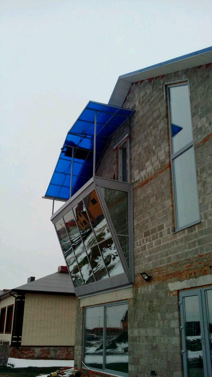 Козырёк на балкон изготовление и монтаж = высотные работы.