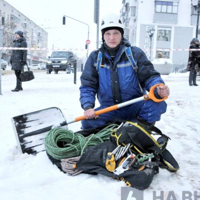 Снятие снега с крыш Белгород.
