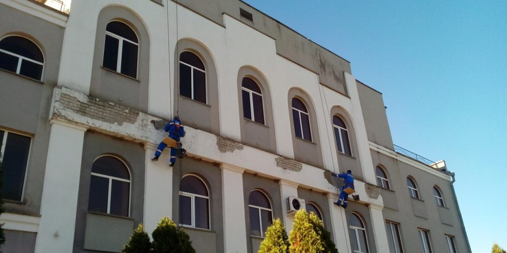 Оштукатуривание зданий