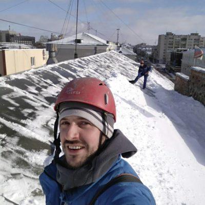 Снятие снега и наледи с кровельных и обычных крыш Белгород