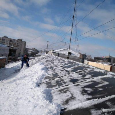 Чистка снега с крыш белгород