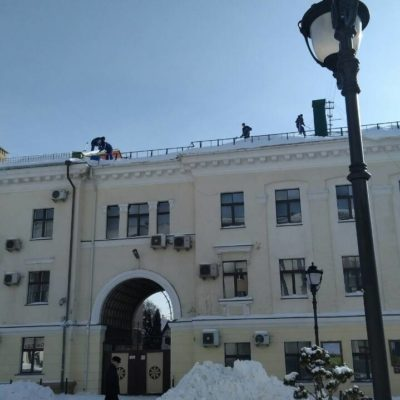 Чистка кровельной крыши высоких зданий от снега Белгород