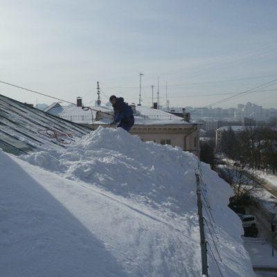 Работа по чистке снега с крыш Белгород