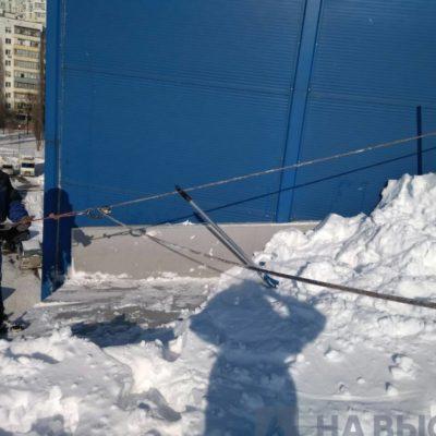 Снятие снега и наледи с крыш