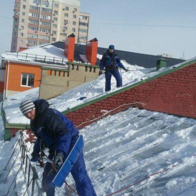 Чистка кровельного покрытия от снега и наледи Белгород